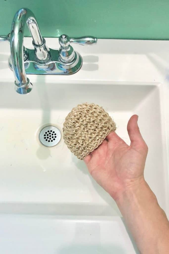twine scrubbie with sink