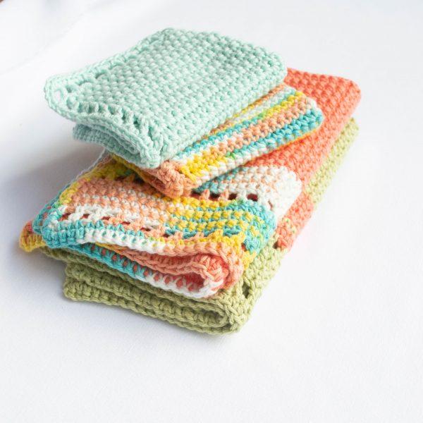 Crochet Washcloth featured image.